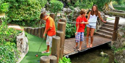 Jungle Golf / Mini-golf en famille au Bugue